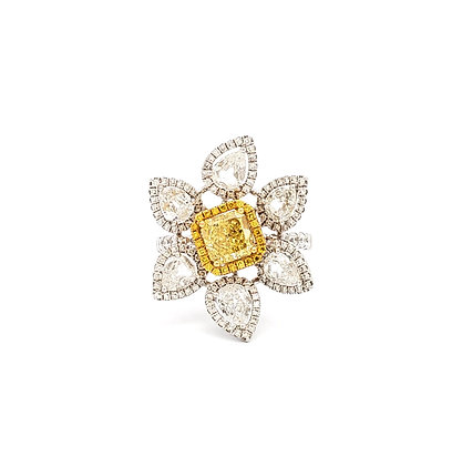 YELLOW AND WHITE DIAMOND FLOWER RING