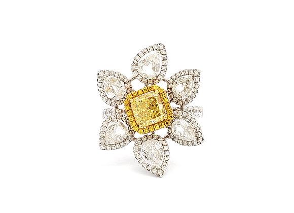YELLOW AND WHITE DIAMOND FLOWER RING