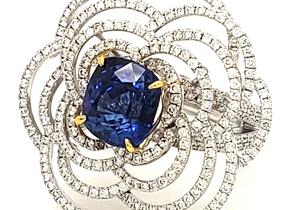 SAPPHIRE AND WHITE DIAMOND FLOWER RING