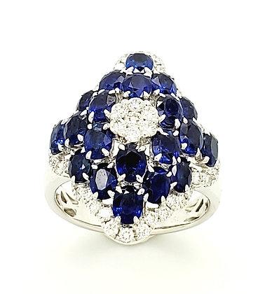 SAPPHIRE AND WHITE DIAMOND RING