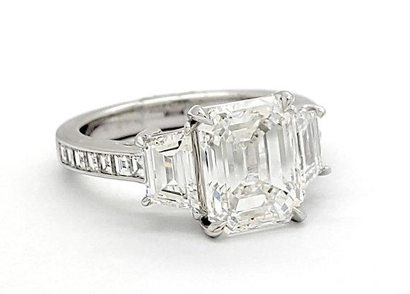 EMERALD CUT WHITE DIAMOND RING