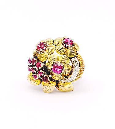 YELLOW GOLD AND RUBY FLOWER RING