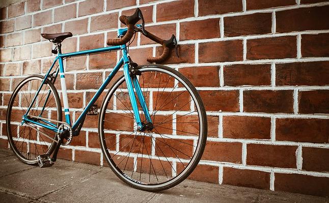 bicycle-blue-bricks-1149601.jpg