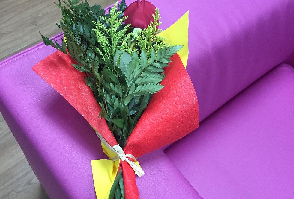 M32/ 1 rosa decorada