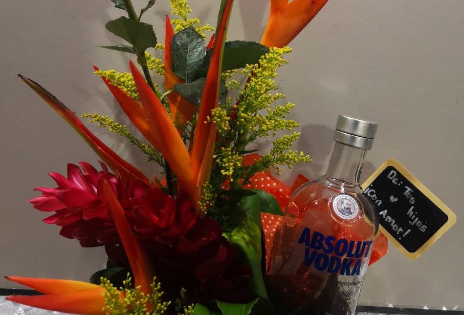 Caja tropical con vodka
