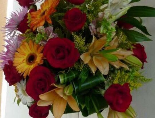 M11/Arreglo primaveral con rosas
