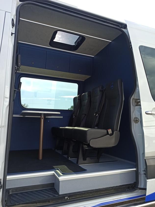 keleiviniu mikroautobusu vidaus irengimas