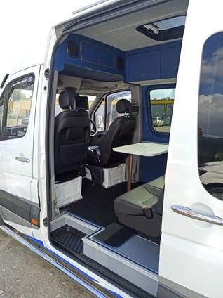 Keleivinių mikroautobusų įrengimas, perdarymas