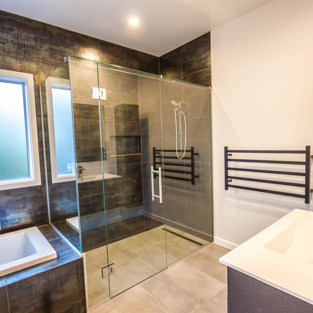 Thames St Bathroom