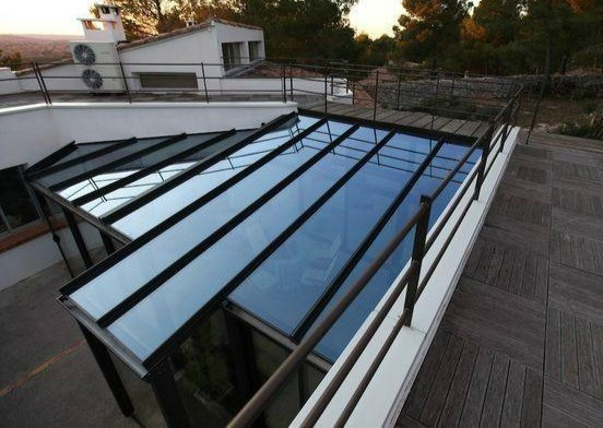 véranda salon d'été toiture vitrée