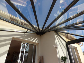 véranda toiture vitrée vue ciel