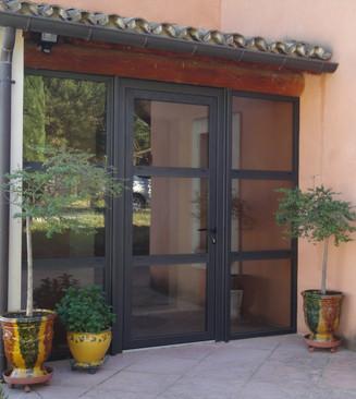 Porte entrée vitrée et aluminium