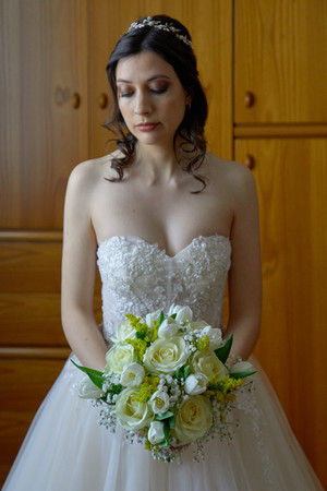 mezza figura sposa, bouquet, fotografo matrimonio Novara,