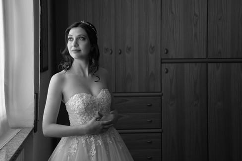 mezza figura sposa, bianco e nero, fotografo matrimonio Novara,