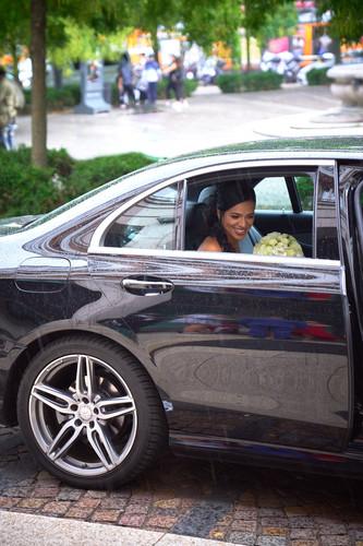 automobile, sposa e bouquet, fotografo matrimonio Novara,
