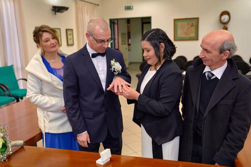 Scambio degli anelli nuziali, fotografo matrimonio Novara,