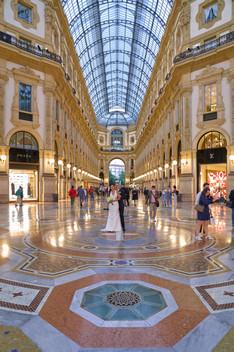 galleria vittorio Emanuele Milano, sposi, fotografo matrimonio Novara,