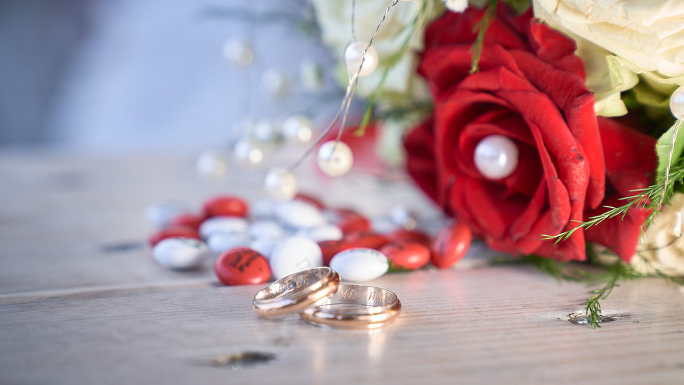 Dettaglio bouquet fedi matrimonio