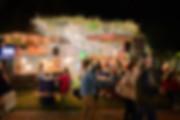 gruppo di amici street food fotografo eventi Novara