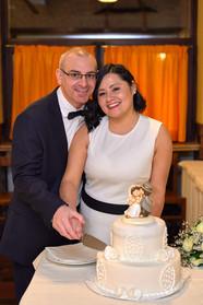 Taglio della torta, sposi, fotografo matrimonio Novara,