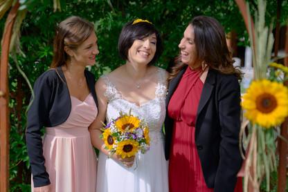 sposa e damigelle, al castello Sillavengo, fotografo matrimonio Novara,