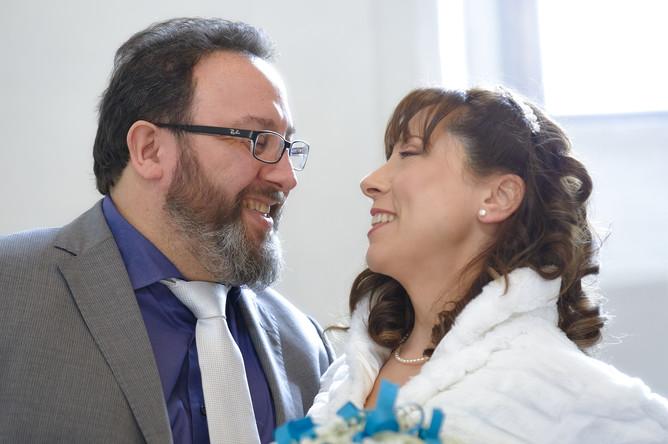 sposi felici, fotografo matrimonio Novara,