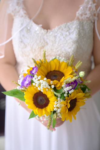 Sposa e bouquet, fotografo matrimonio novara,