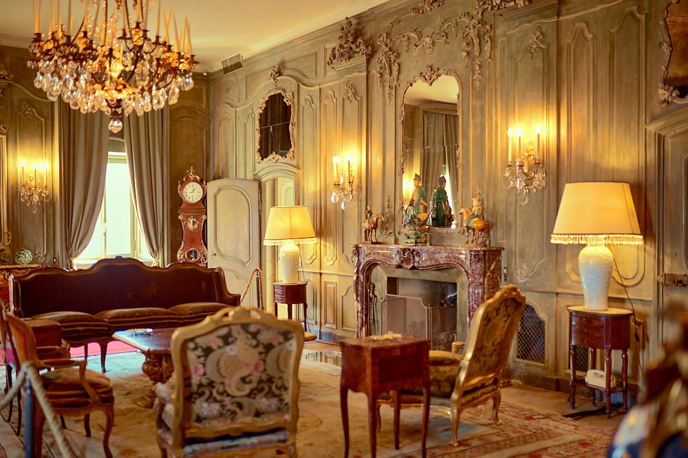 arredamento interno, villa di lusso, divano, poltrone, lampadario, villa del Balbianello