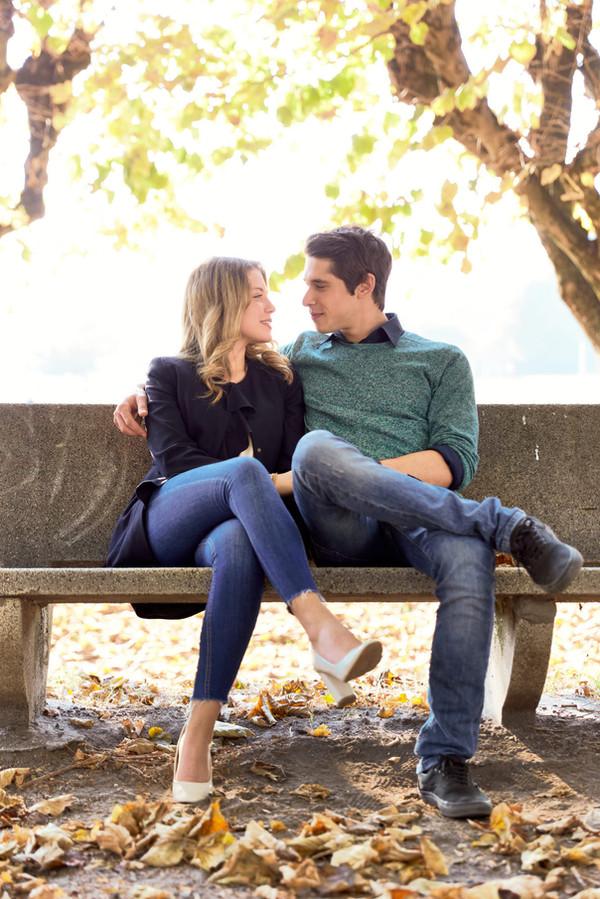 Fidanzati sulla panchina, Fotografo matrimonio, servizio fotografico fidanzamento