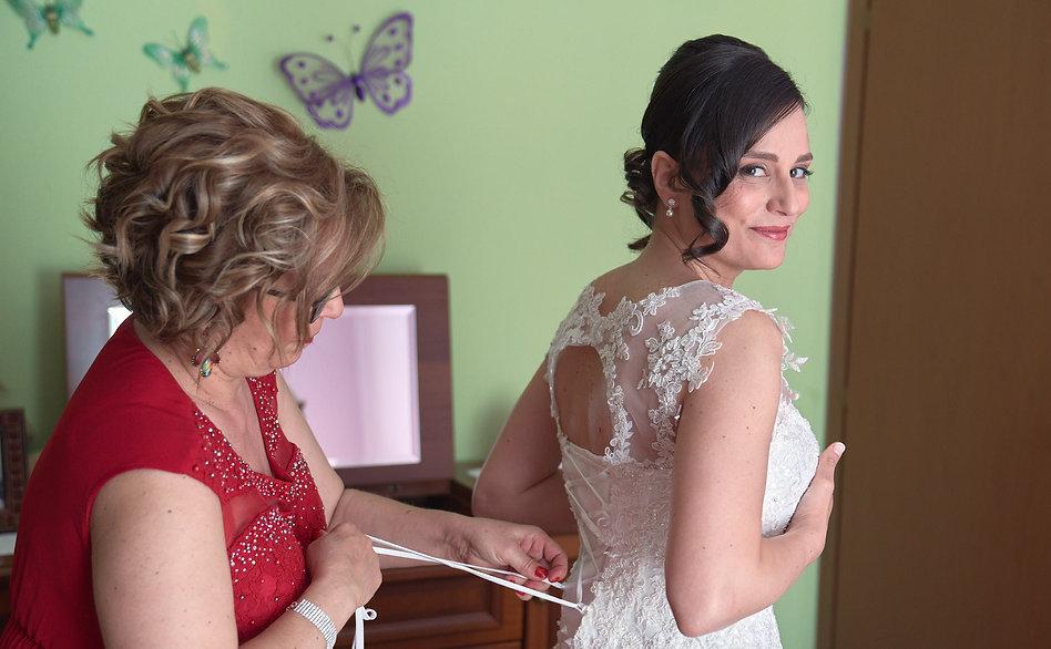 Preparativi della sposa, fotografo Novara,