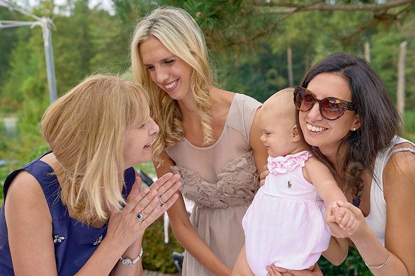 Foto di famiglia con bimba