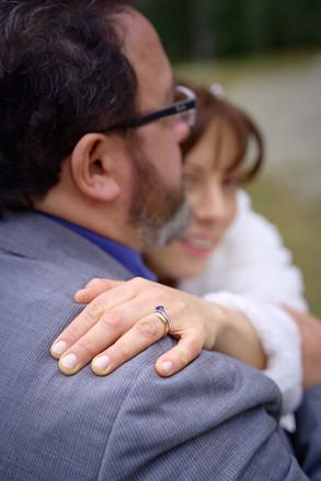 dettaglio fede nuziale mano sposa, fotografo matrimonio Novara,