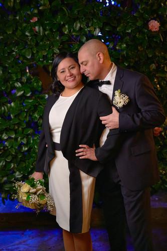 Sposi vicini, piano americano, notte, fotografo matrimonio Novara,