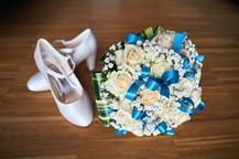 Scarpe e bouquet, fotografo matrimonio novara