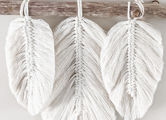 DIY Macrame Feather Wall Hanging