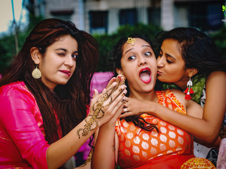 10 Latest & Creative Bridesmaids Photo Ideas for Wedding Season!