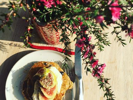 Nourishing Oaty Banana Pancakes