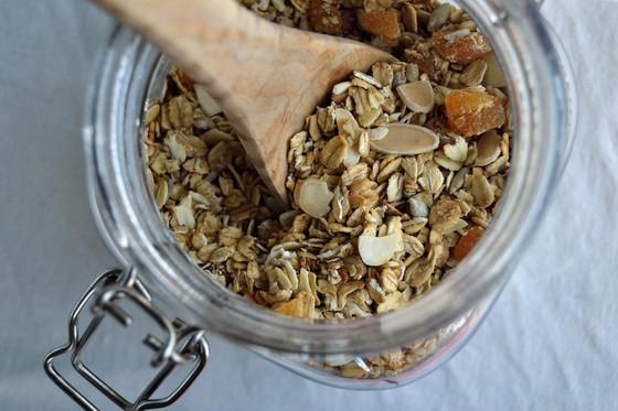 Recipe: Apricot & Almond Toasted Muesli