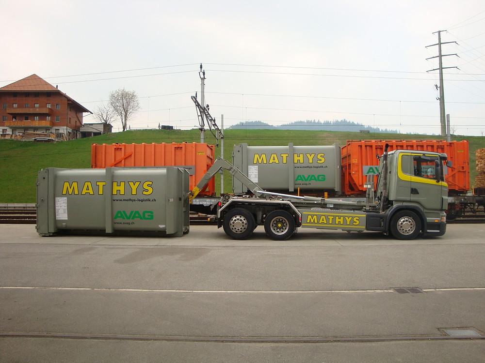 Das Bild zeigt einen Nahverkehr Lastwagen.