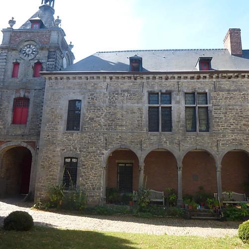 Ecaussines et son château