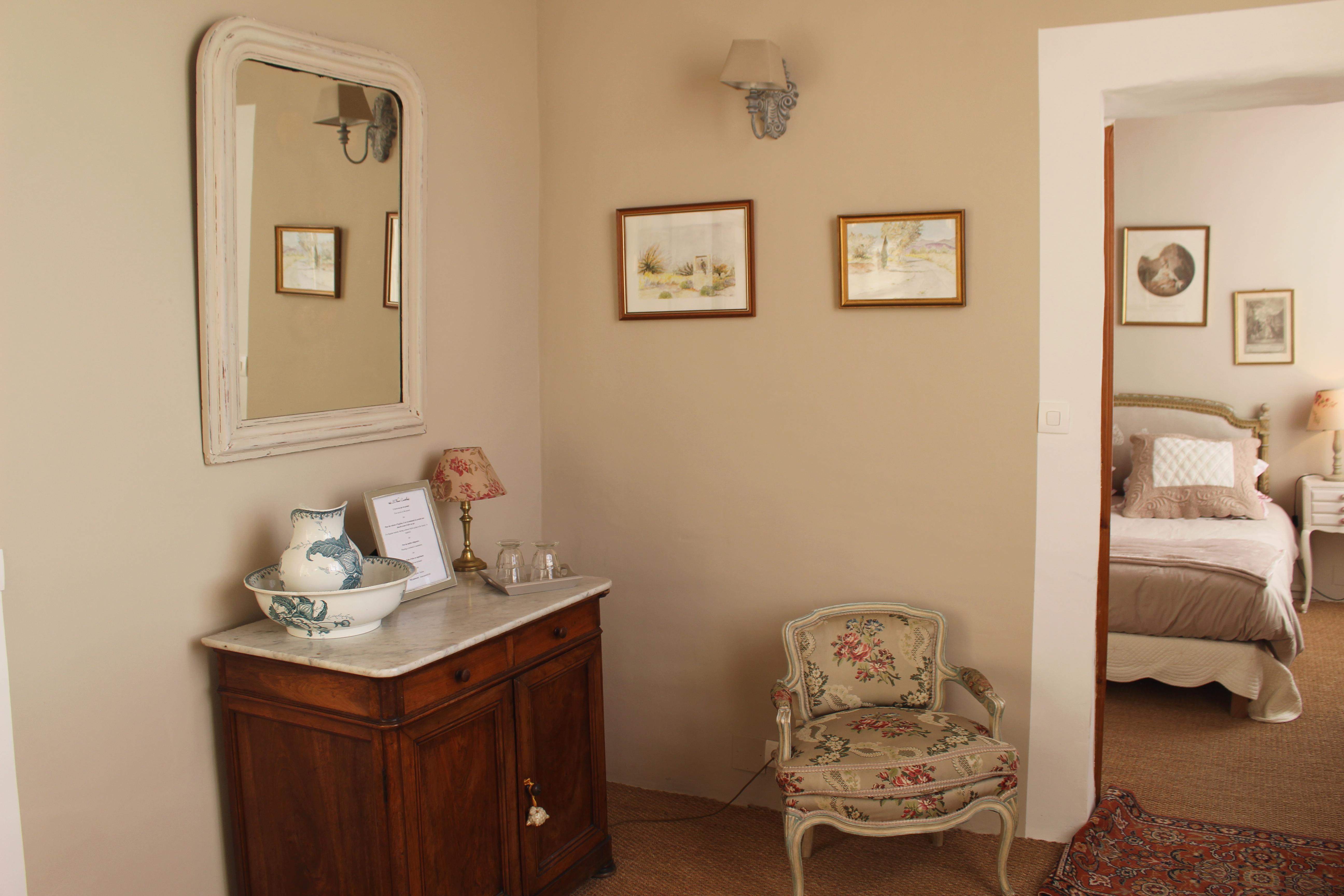 l'Oustaou - chambre details