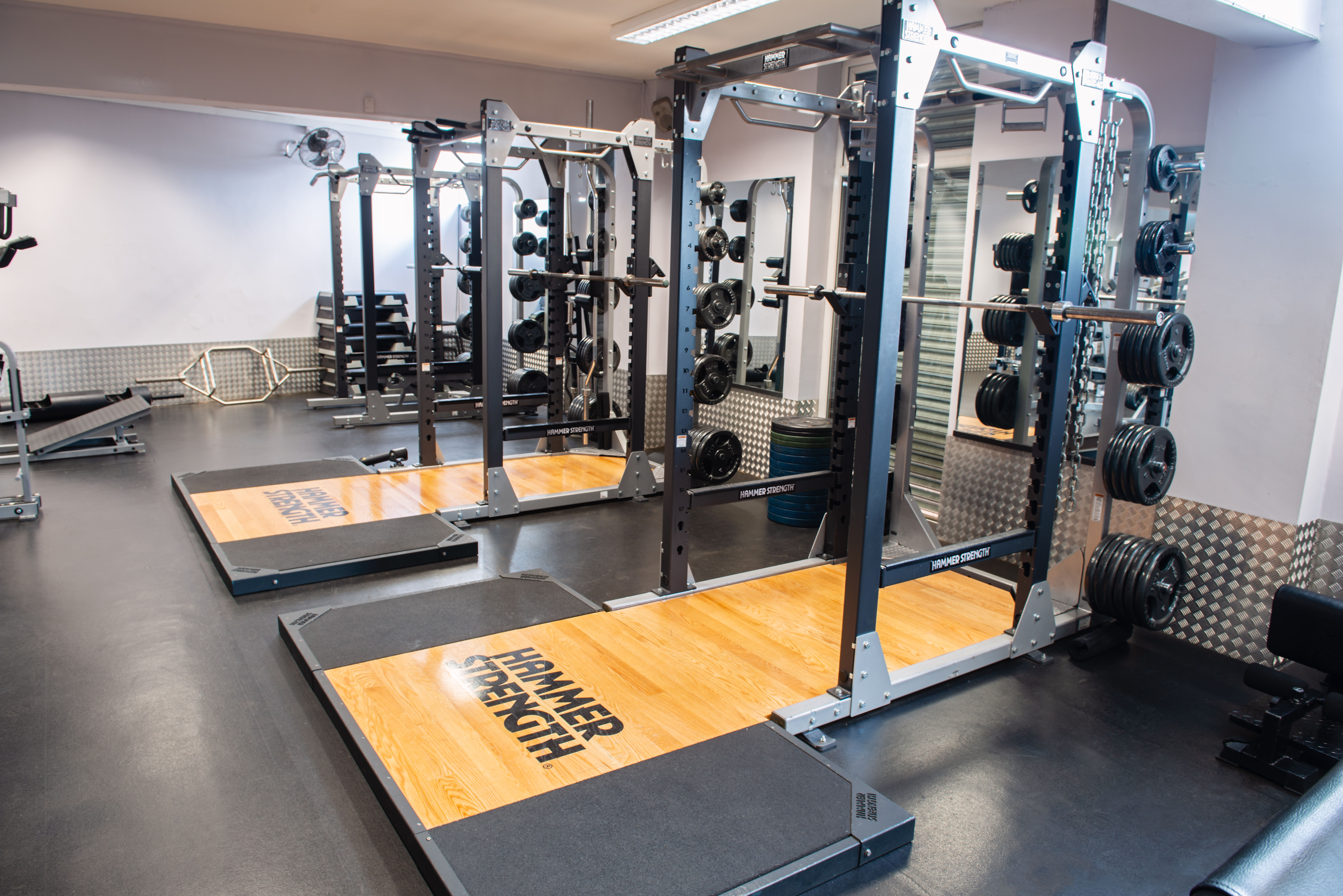 Squat_Racks_Leeds_Gyms