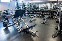 Free_Weight_Area_Leodis_Gym