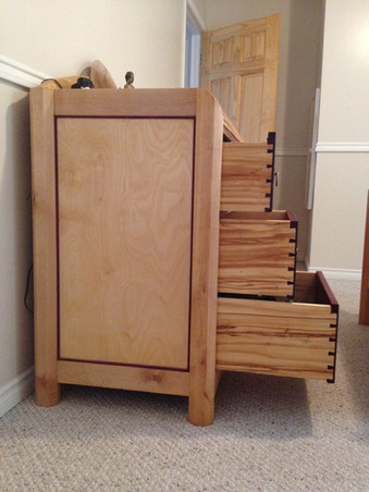 Drawer dovetail construction