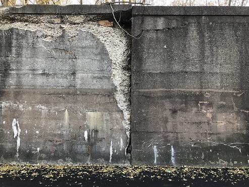 A bronzeville wall cracked taken by Jenn Freeman | Po'Chop | Iphone 7