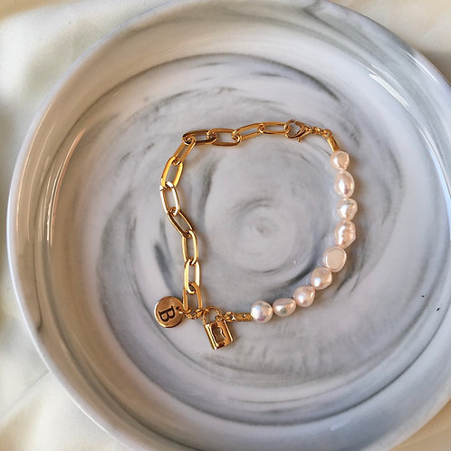 İnci&Gold Harfli Bileklik