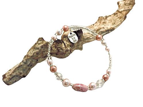 Manik-manik memory wire dames armband.