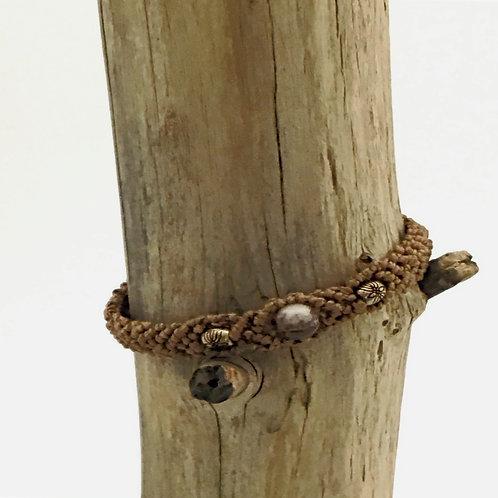 Manik-manik macramé armband met kralen