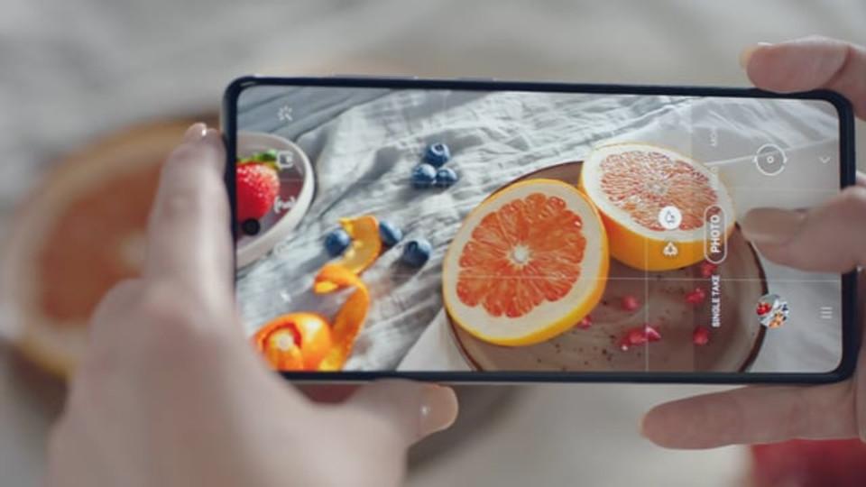 Samsung Galaxy A71_Fruits
