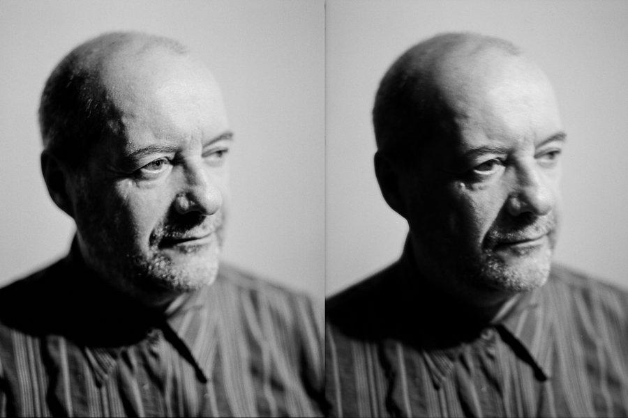 Portrait eines Mannes in Schwarz Weiß